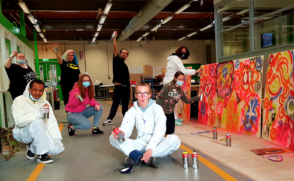 Artist Stephan Peters gave workshops to young adults at Lucrato The Netherlands